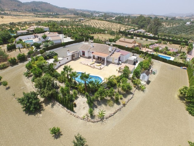 Beautiful Finca Alhaurin El Grande, Malaga : Great Value at 299.000€