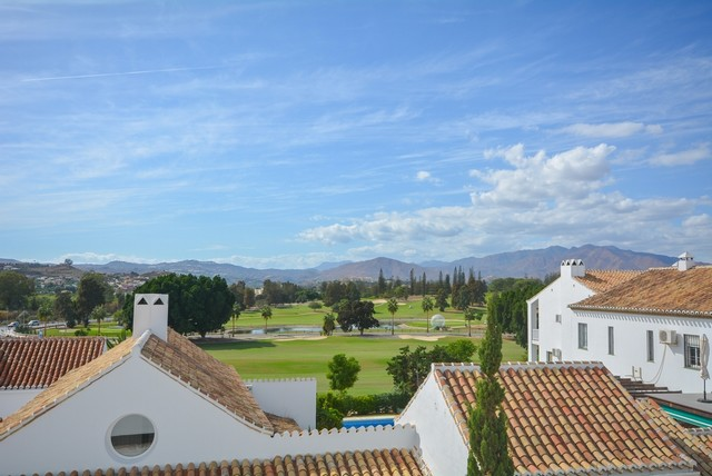 Bargain 2 Bed Mijas Golf Apartment : For Sale for Only 120.000€