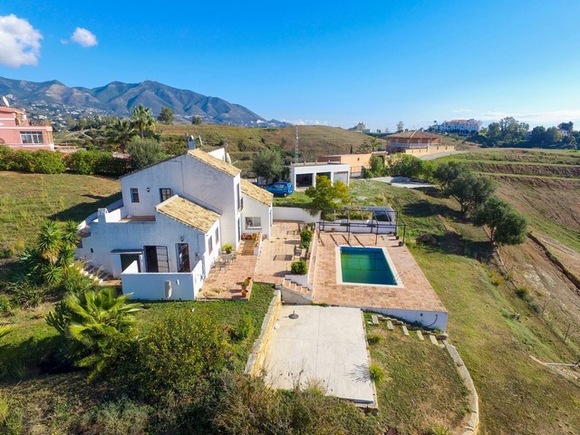 Enjoy modern country living with this Finca in Mijas, Málaga, Spain for only €330.000